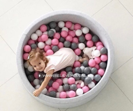 Ballpit with 200 balls (pink,grey,white)