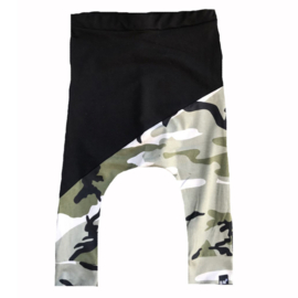 Black/camo green baggy