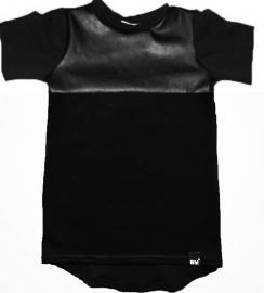 Long black tshirt leather