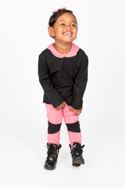 Black/pink longshirt with pink baggy black knees