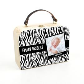 Houten koffertje tijger wit foto