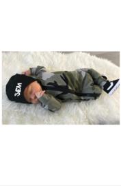 Newborn beanie name black