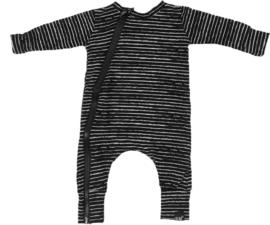 Streep zwart onesie