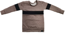 Taupe met zwart streep horizontaal sweater