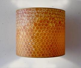 Honingraat-lampenkap aan