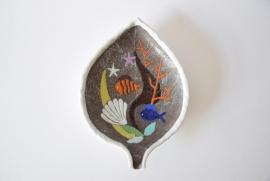 SOLD Anna-Lisa Thomson for UE Upsala Ekeby big platter SPECTRA leafshaped sea motif midcentury