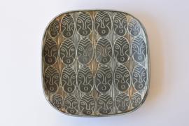 E&J Keramik Eva & Johannes Andersen Large Decorative Platter with Face or Mask Motif Danish Mid-century Pottery