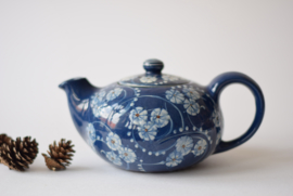SOLD Nils Kähler for Kähler / HAK Teapot Marguerit / Margueritte / Magasinstel Daisy motif Danish midcentury pottery