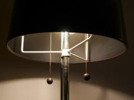 Seventies staande lamp met chroom en bruine kap