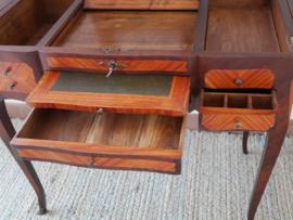 Restauratie poeder- annex schrijftafel