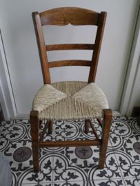 Restauratie stoel met nieuwe biezen zitting