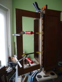 Reparaties en opknapbeurt art deco theekastje