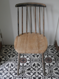 Reparatie spijltjesstoel
