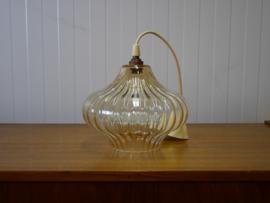Vintage hanglamp met oranje gloed