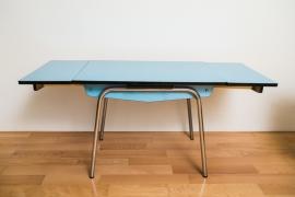 Knalblauwe uitschuifbare  keukentafel jaren '70