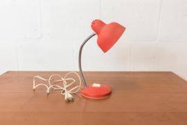 Retro oranjerode bureaulamp