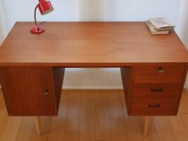 Retro bureau Deens design