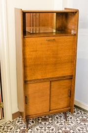 Vintage bureaukast met klep