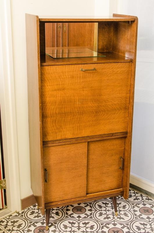 Wandkast Met Klep.Vintage Bureaukast Met Klep Kasten Opbergers Verkocht