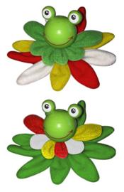 kikker broche op een  groen lelyblad