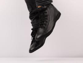 Hi-Top Black Leather/Black Sole