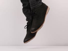 Chukka Black Waxy Leather