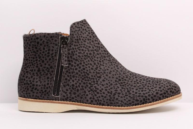 Sidezip Boot Charcoal Snow Leopard