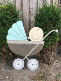 kinderwagen met baby