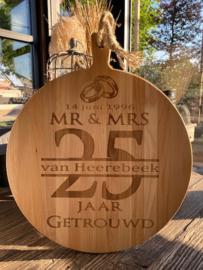 Serveerplank rond / 25 jaar getrouwd / 35 cm