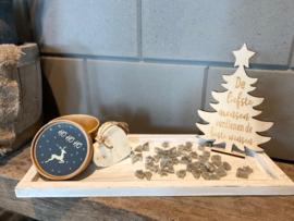 Kerstpakket dienblad wit / assortiment zilveren kerstzeepjes (geur) / houten kerstboompje met tekst / Zeepje in doosje met opdruk HOHOHO