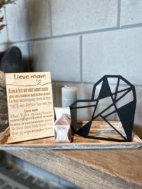 Cadeaupakket tekstbordje lieve mam / op houten dienblad small / houten geometrisch hart / kaarsje Sweet Grace / kaarsje