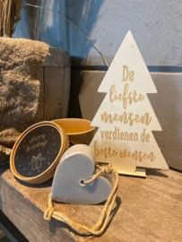 Kerstboompje  de liefste mensen sierlijk + zeepje in doos met de tekst Happy holidays