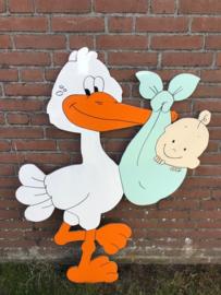 Ooievaar met baby in mintgroene doek