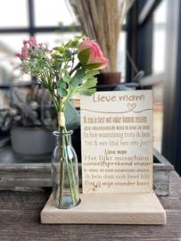 Tekstbordje lieve mam (kind) in houten standaard + kunstbloemen Roze in vaasje (ROZE BLOEMEN HELAAS TIJDELIJK NIET VERKRIJGBAAR)