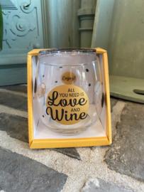 Wijn-waterglas met tekst ALL YOU NEED IS LOVE AND WINE