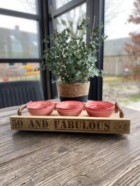 Hapjesbak (50 and fabulous) met 2 koperen handvatten  Inclusief 3 schaaltjes