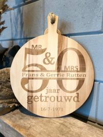 Serveerplank rond / 50 jaar getrouwd / 45 cm