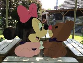 Minnie Mouse met beertje bruin