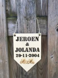 Vaandel met namen en trouwdatum