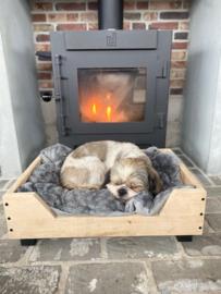 Hondenmand van eikenhout
