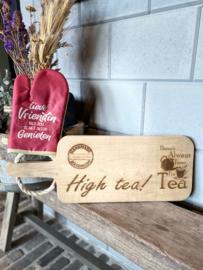 Ovenhandschoen met de tekst `Lieve vriendin met jou is het altijd genieten.`+ serveerplank High Tea