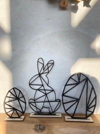 Paasdecoratie 2 x paasei-1x paashaas in de kleur zwart