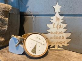 Kerstboompje  de liefste mensen sierlijk/ster + zeepje in doos met de tekst It's the most happiest season of all