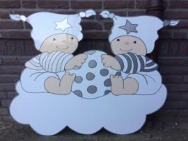 Twee baby's op een wolk