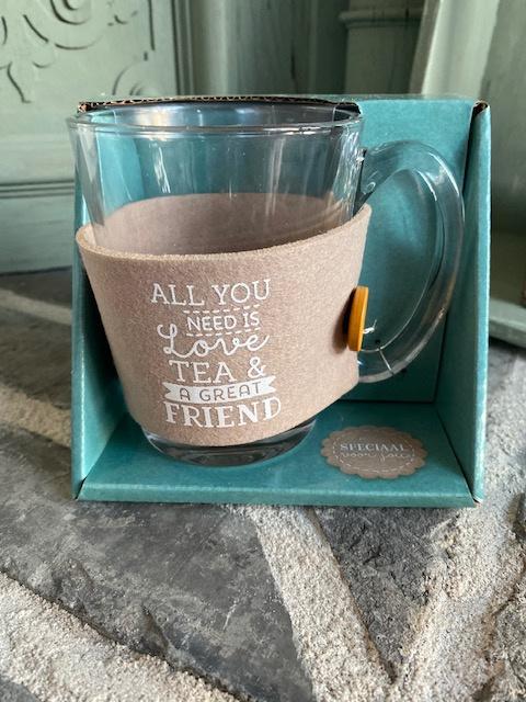Theeglas met tekst ALL YOU NEED IS LOVE TEA & A GREAT FRIEND