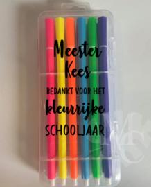 """Stiften luxe  - Meester/Juf """"naam"""" bedankt voor het kleurrijke schooljaar"""