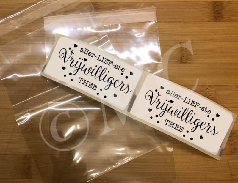 Sluit etiket: allerliefste vrijwilligers thee