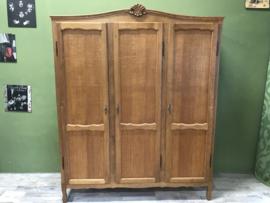 kledingkast met 3 deuren schilderen
