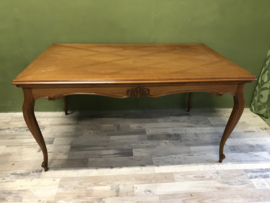 3698 Queen Anne eettafel