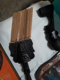 Antiek houtsnijwerk telraam/klingel